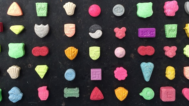 ecstasy essay Get the facts about how mdma (ecstasy or molly) affects the brain and body.