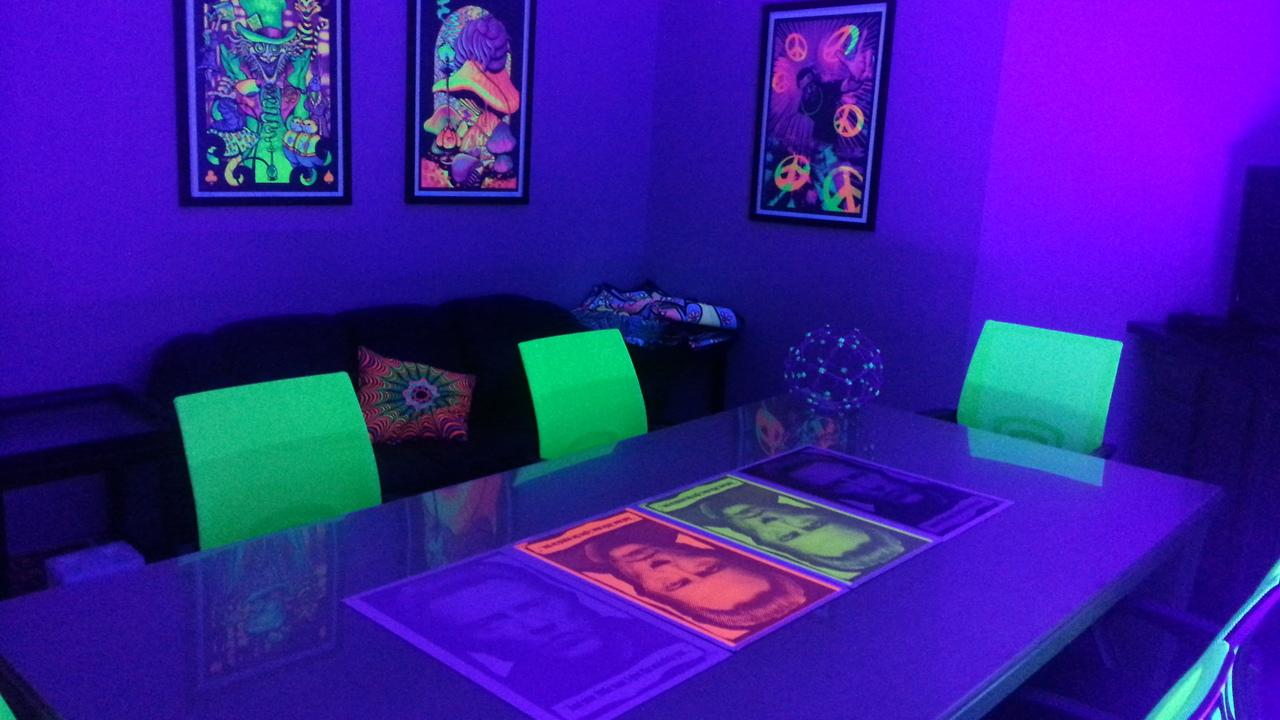 1000+ images about Blacklight Party Stuff on Pinterest ...