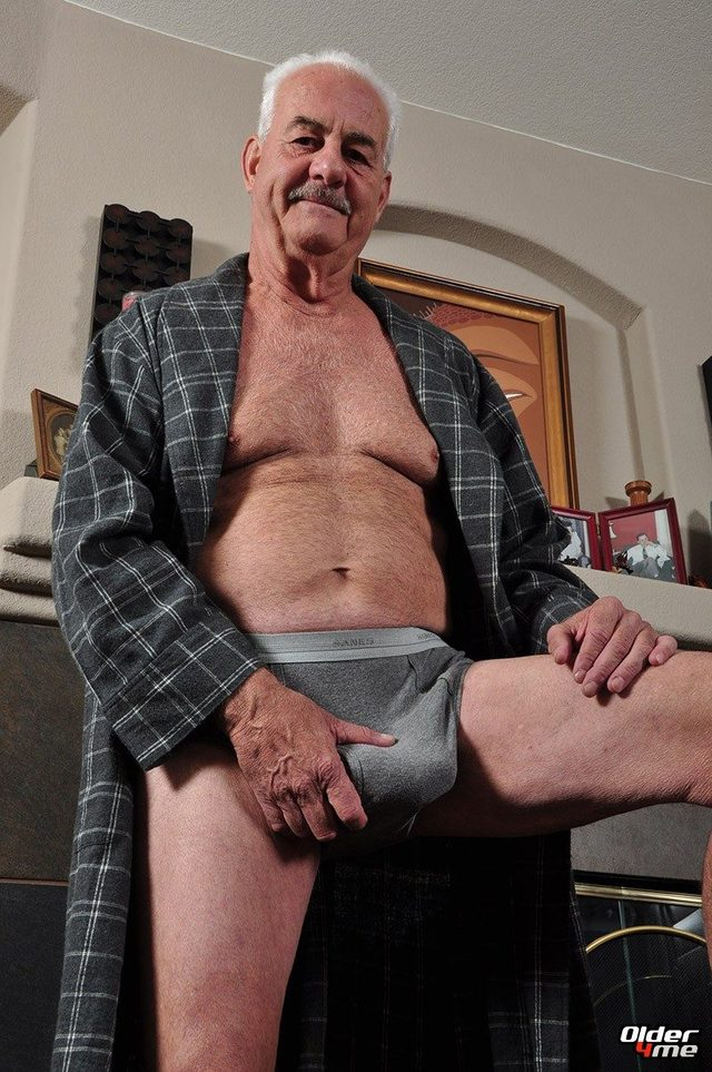 Hole free older mature men videos
