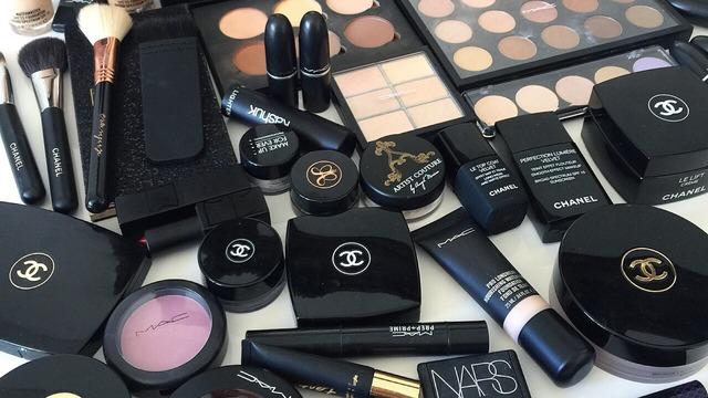 looking back my summer makeup essentials a guest post