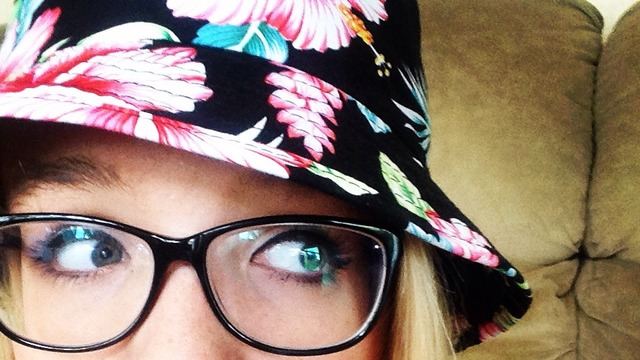 Bucket Hat Tumblr Girl Just a Girl With a Bucket Hat