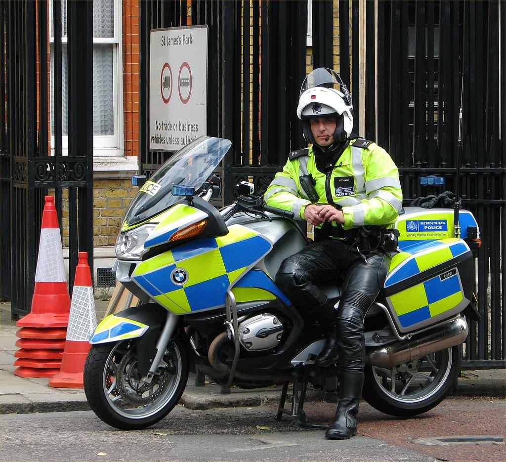 Hot Cops 118