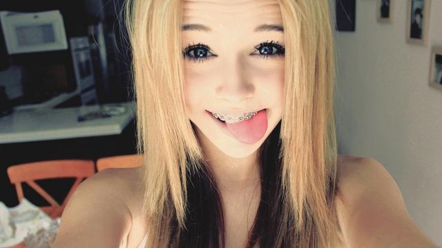 Cute teen on webcamm