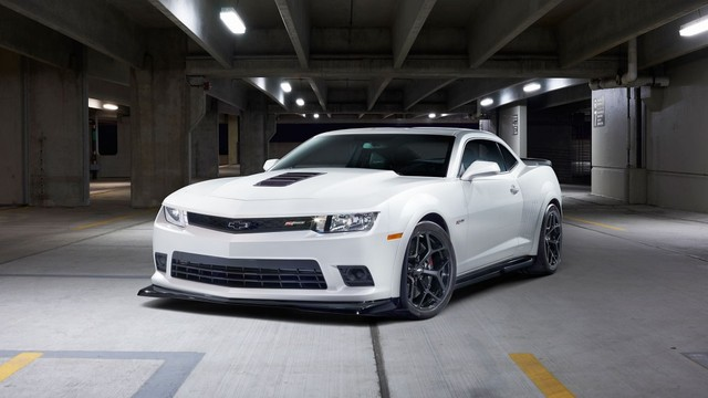 Chevrolet camaro white