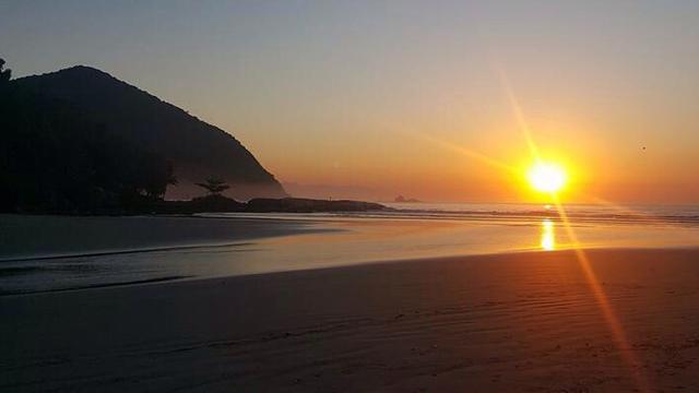 Resultado de imagem para mar tumblr por do sol