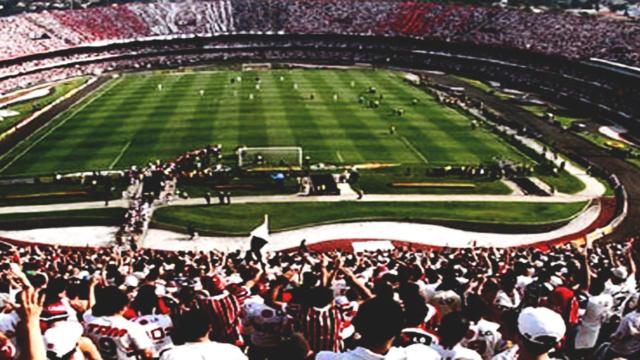 Resultado de imagem para campo de futebol tumblr
